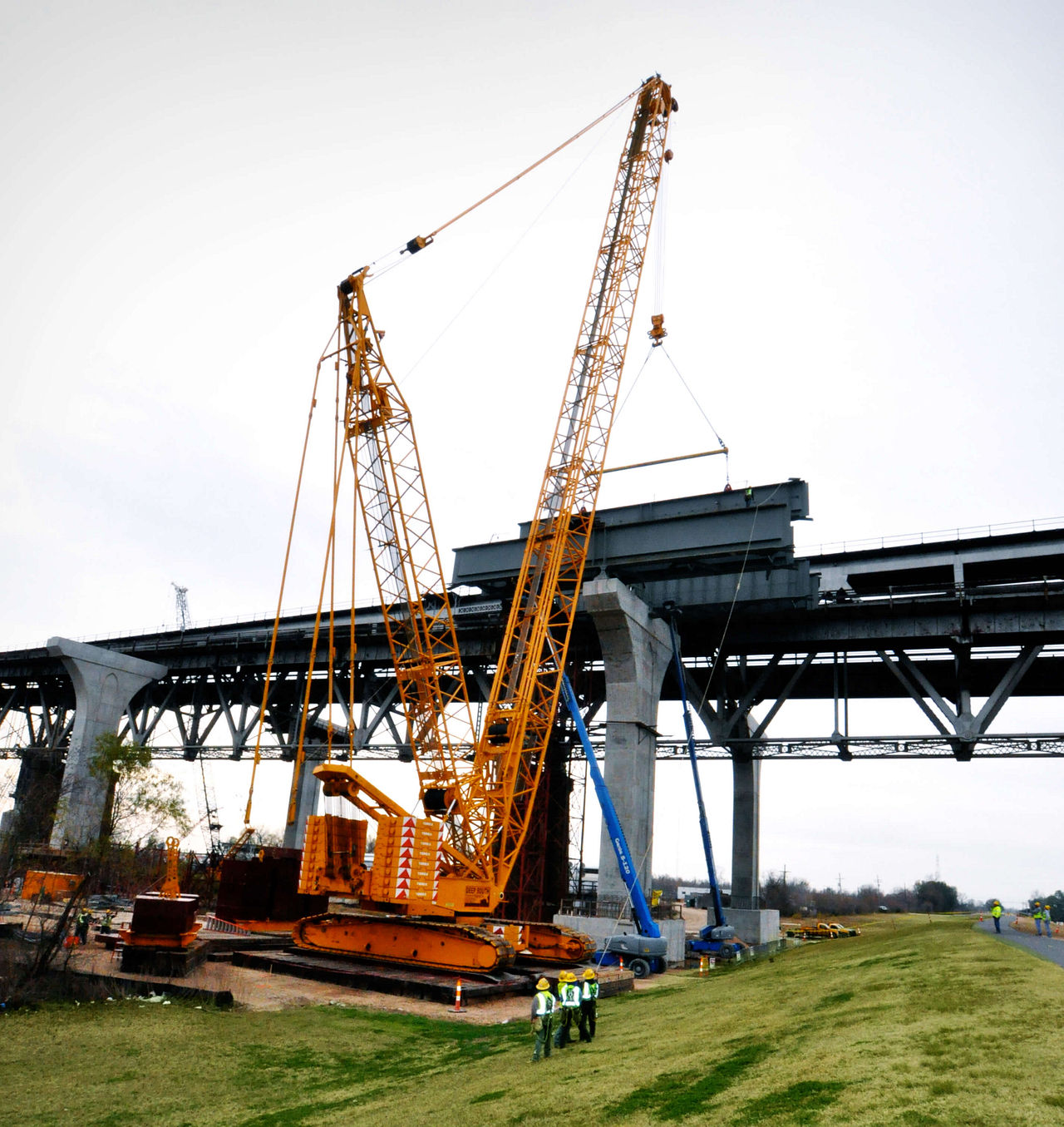Heavy Lift Services in Civil Construction