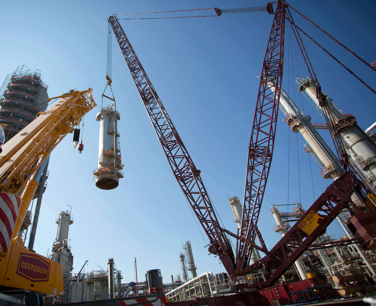 Heavy Lift Crane for Chemical Plant