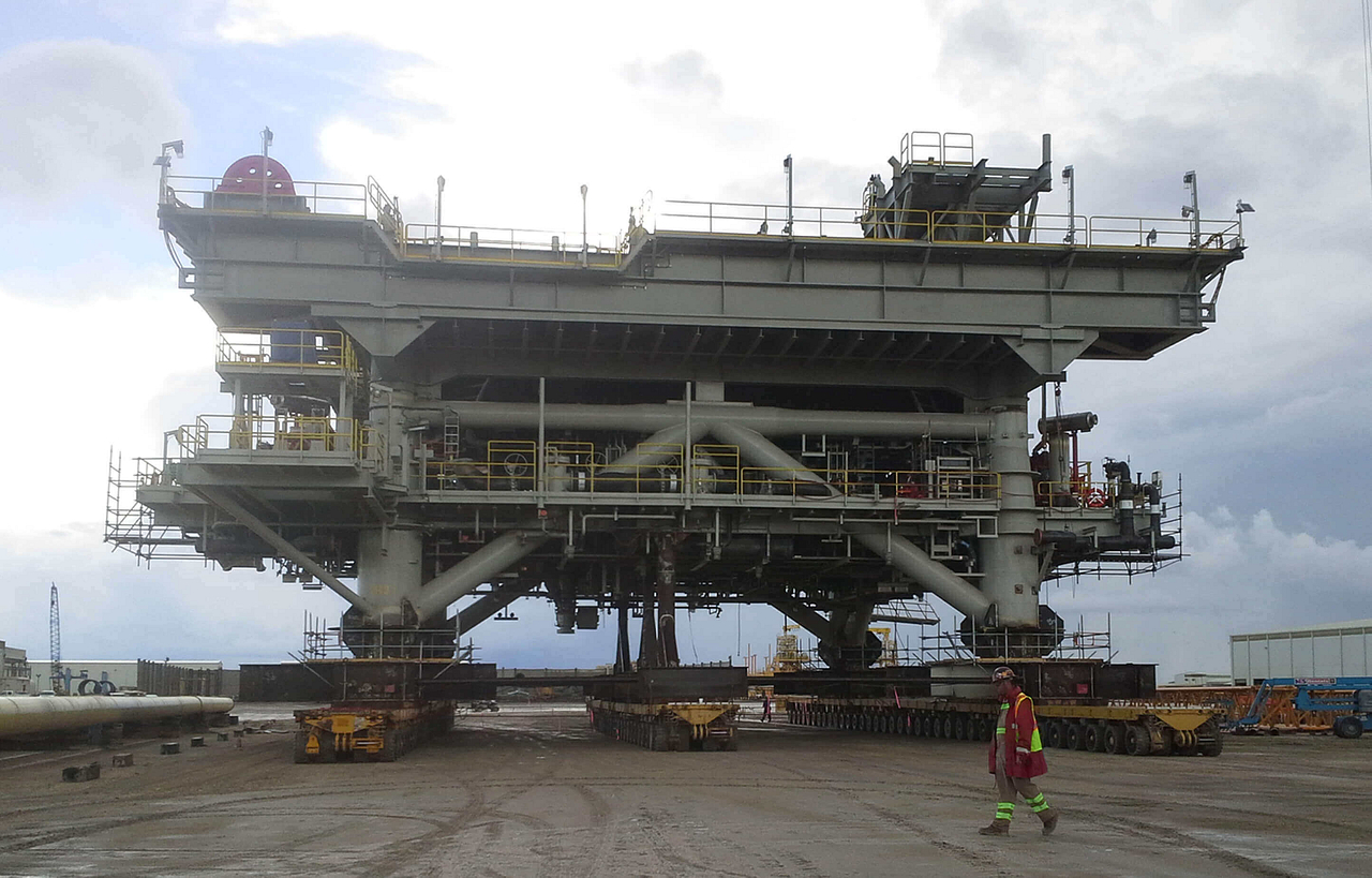 OFFSHORE PLATFORM SPECIALTY TRANSPORT