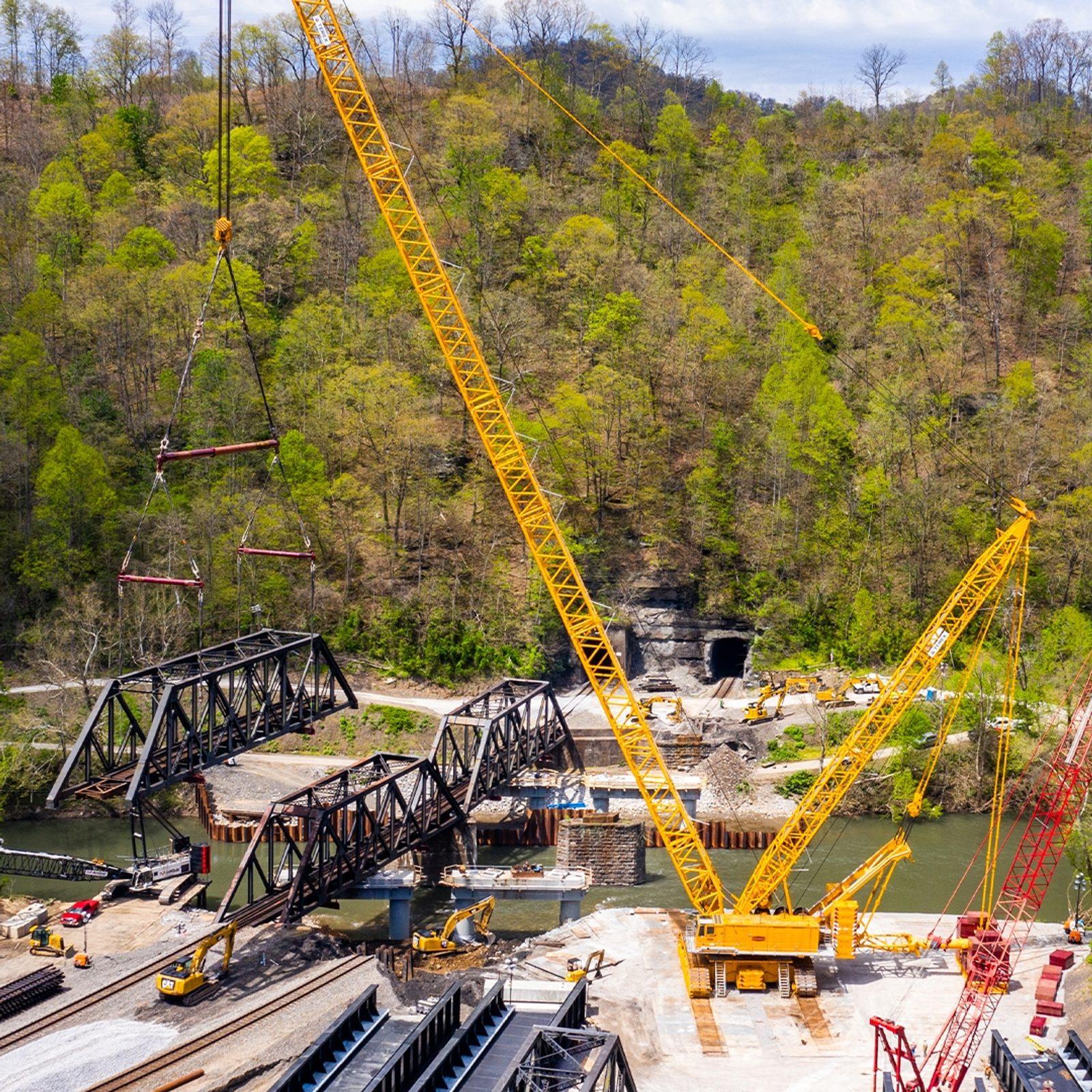 Crane for Bridge Truss Replacement