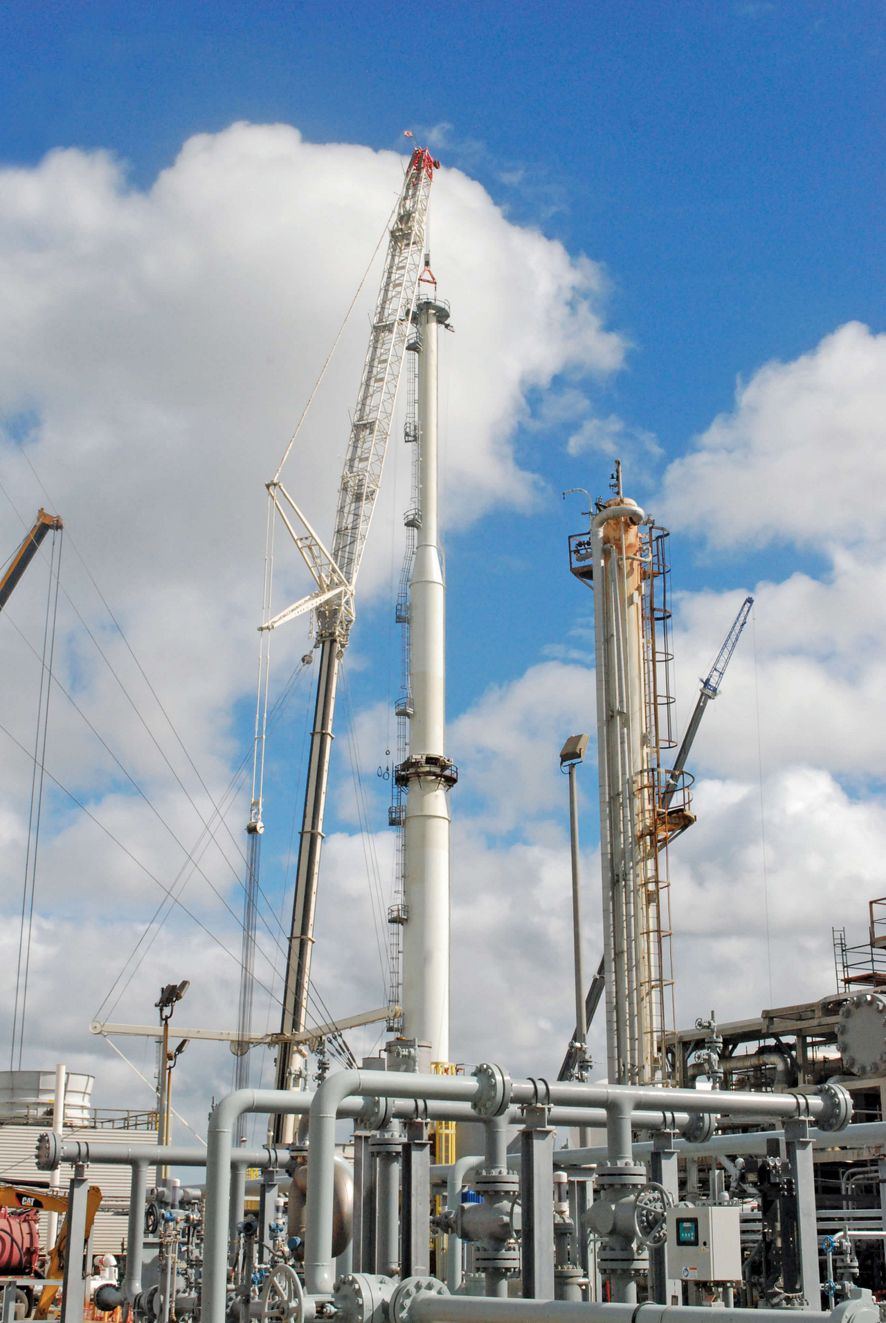heavy lift services for refineries